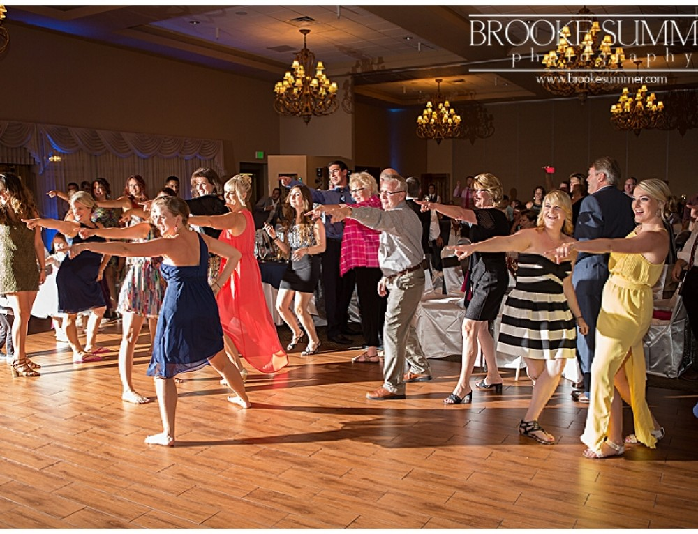 Colorado Wedding Photographers – Heather & Ryan – Stonebrook Manor Flash Mob