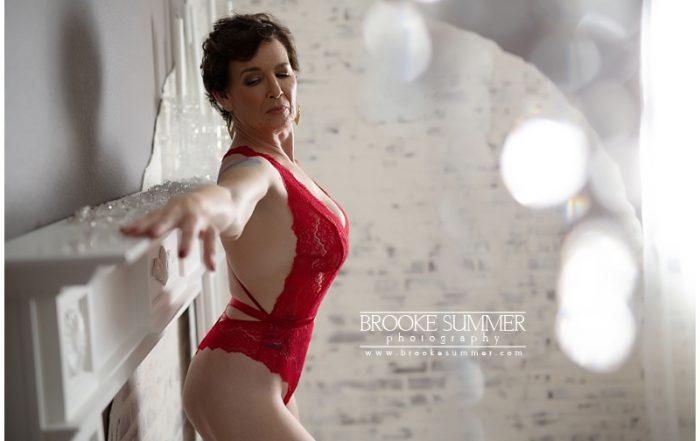 female-boudoir-photographer-in-denver